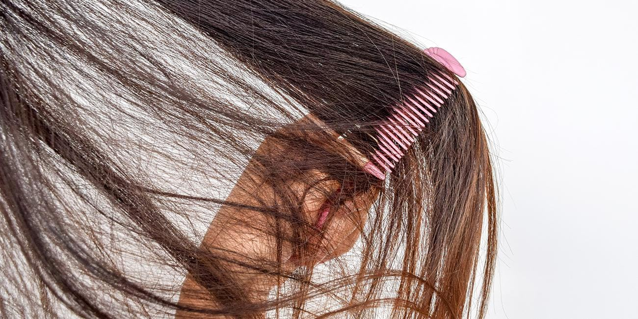Difference Between Hair Shedding and Hair Breakage