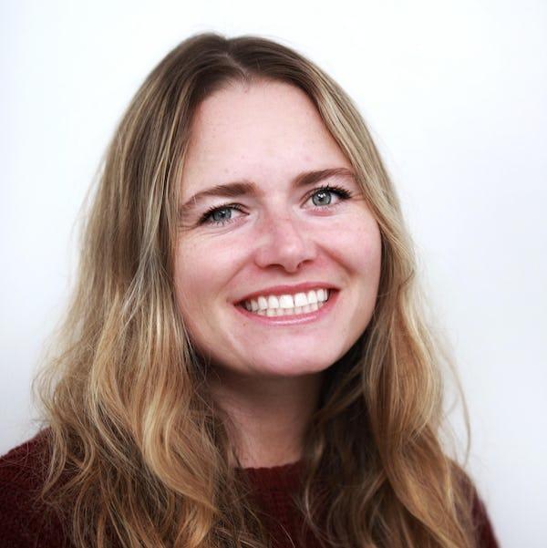 Laura French headshot