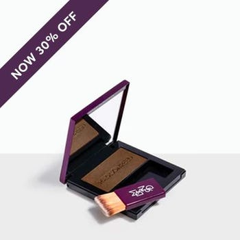 Sabbia - Light Golden Brown brush-on powder conceals roots quickly